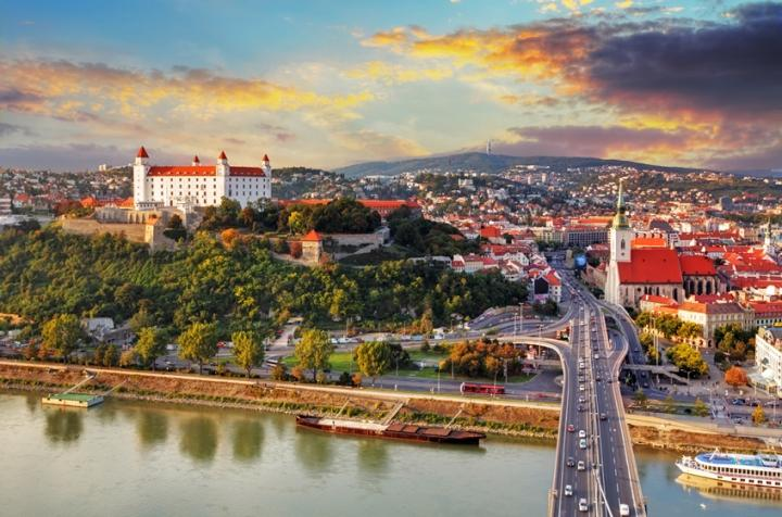 6 reasons why automotive engineers should work in slovakia